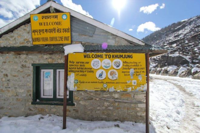 Khumjung Welcome Sign