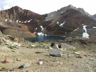 PCT-Sierra-Alpine-Lake