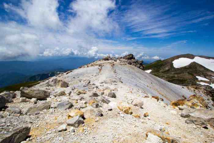Japan-Mount-Haku-Summit-Trail