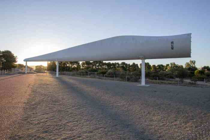 Australia-Snowtown-Big-Blade-2
