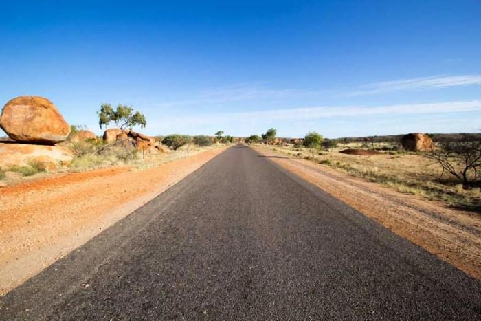 australia-outback-devils-marbles-1