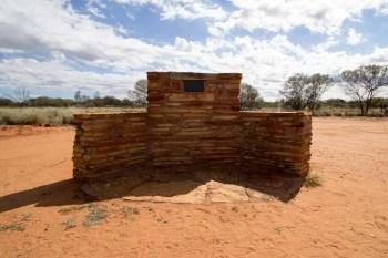 australia-outback-plaque-1