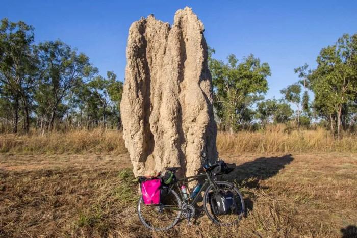 australia-outback-termite-mound