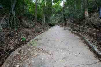 brazil-riode-janeiro-morro-da-urca-trail-2