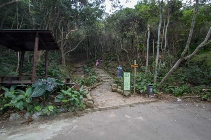 brazil-riode-janeiro-morro-da-urca-trail-head
