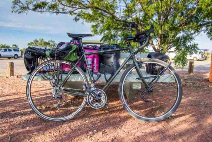 australia-outback-bike-attack-creek