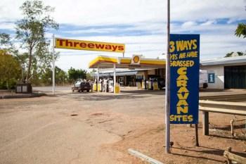 australia-outback-threeways