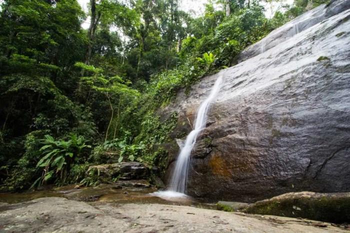 brazil-rio-de-janeiro-cachoeira-dos-primatas-upper-falls-2