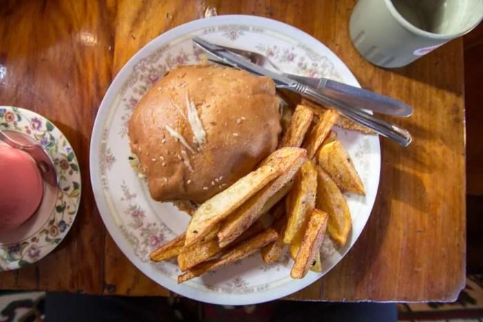 Nepal-Dingboche-Best-Hamburger
