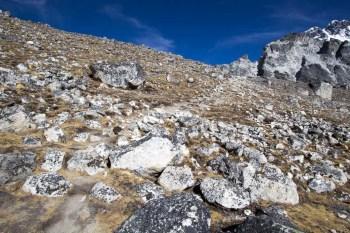 Nepal-Kongma-La-Trail-Incline