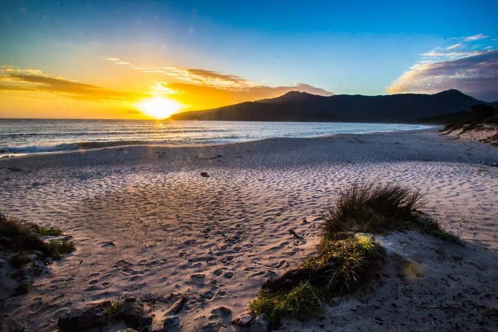 Australia-Tasmania-Freycinet-NP-Sunrise
