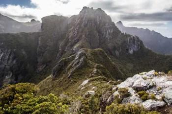 Tasmania-Western-Arthurs-Range-Beggary-Bumps