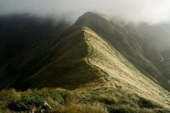 New-Zealand-Tararua-Range-Traverse-Sunrise