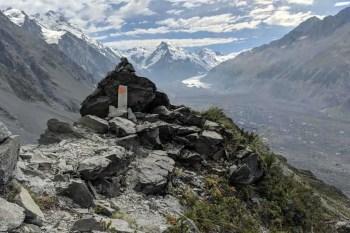 New-Zealand-Ball-Pass-Route-Ball-Ridge-Marker