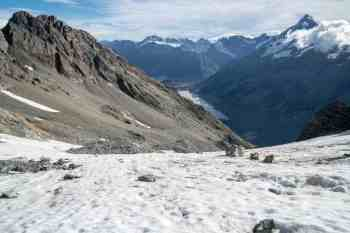 New-Zealand-Ball-Pass-Route-Glacier-Downhill