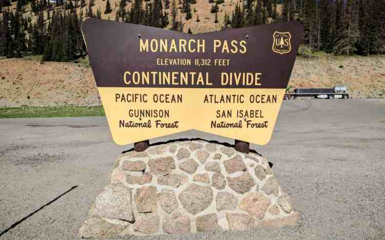 CDT Colorado Monarch Pass Sign