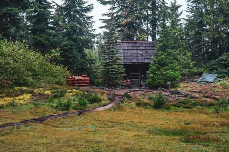Washington Wonderland Trail Patrol Cabin