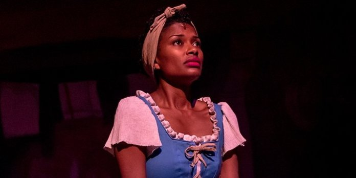 Samantha Walkes returns to the role Cinderella at Neptune Theatre. Photo by Stoo Metz.