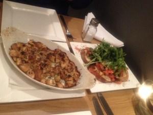 Garlic mushrooms and bruschetta
