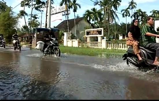 Di Tanjung Pura, Beberapa Kawasan Tergenang Air Akibat Curah Hujan Tinggi