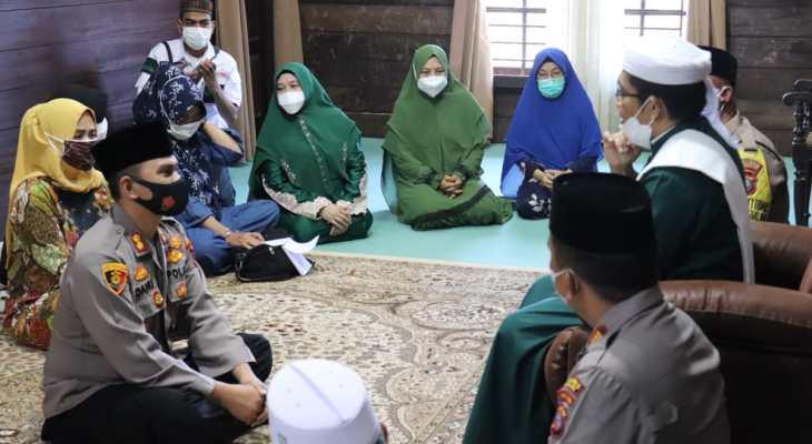 AKBP Danu Pamungkas Totok Silaturahim dengan Tuan Guru Babussalam