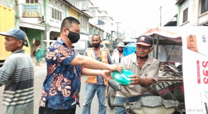 100 Nasi Kotak dan 3.900 Masker Dibagikan Acai Kepling I Kelurahan Pekan Tanjung Pura