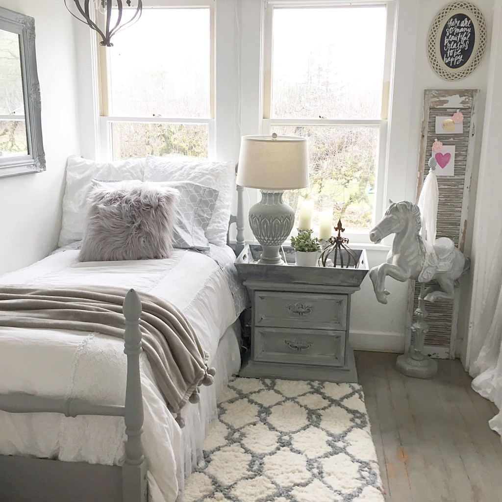 Teen Girl's Bedroom Style- Easy Chalk Paint Recipe ... on Teen Room Girl  id=62973