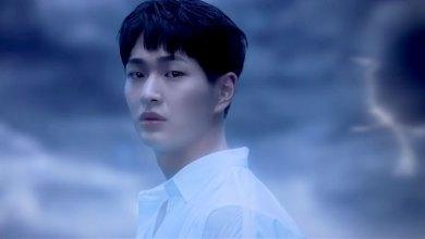 Photo of Onew 'SHINee ส่งทีเซอร์ MV เพลงโปรโมต'Blue'จากโซโล่อัลบั้มแรก 'VOICE'