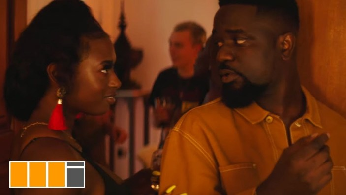 Download MP3: Sarkodie Ft. Mr Eazi - Do You (Official Video)