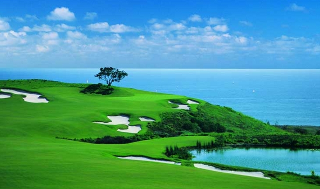 golf course beautiful picture