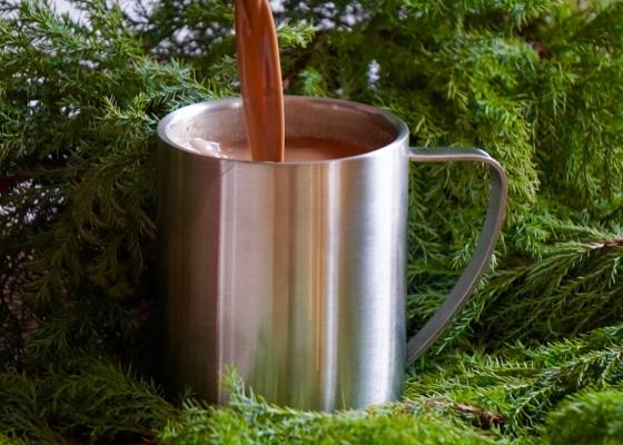 Krämig varm choklad- och kaffedryck