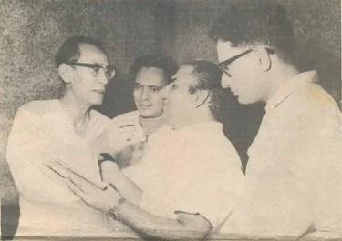 Mohd Rafi with S.D.Burman, Hasrat and Vijay Anand
