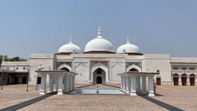 بھیرہ: اسلام آباد اور لاہور کے درمیان ایک چھوٹا سا شہر 'جہاں تاریخ کے کئی راز دفن ہیں' 4