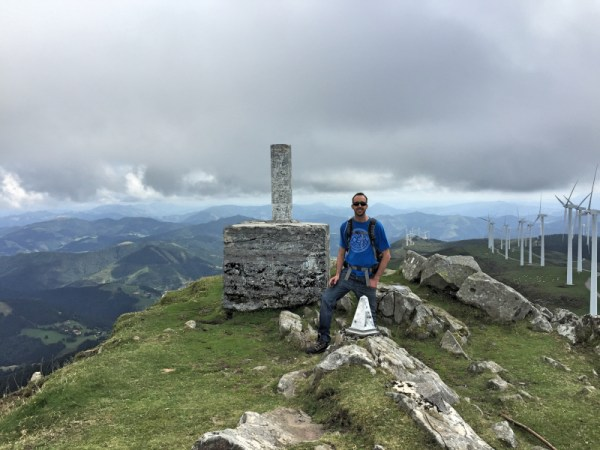 M0JCQ at the trigpoint on Oiz