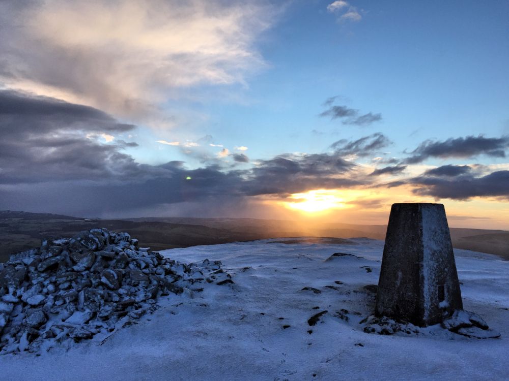 Sunrise on a Snow Covered SOTA Summit (Corndon Hill - GW/MW-013)