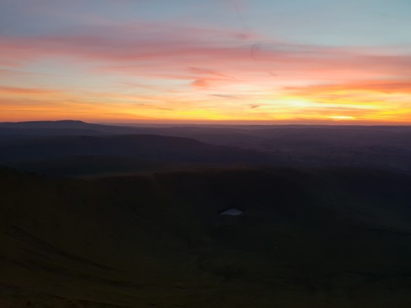 A lingering dusk from Pen Y Fan