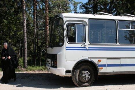 Монастырский автобус