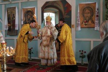 Божественная литургия в Артемие-Веркольском монастыре