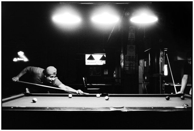 2018wb-tomasito_and_pedro_millys_at_el_coqui_playing_pool_myrtleave_queens