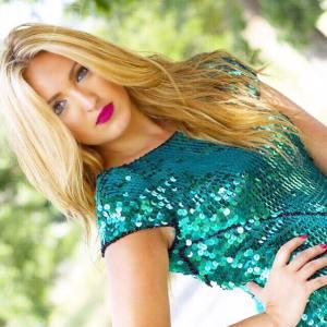 Marta Riesco-youtuber