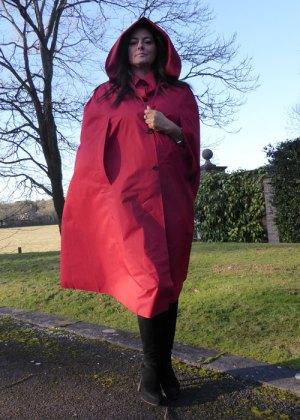 Regina (Red)