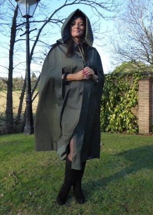 Regina (Olive Green)