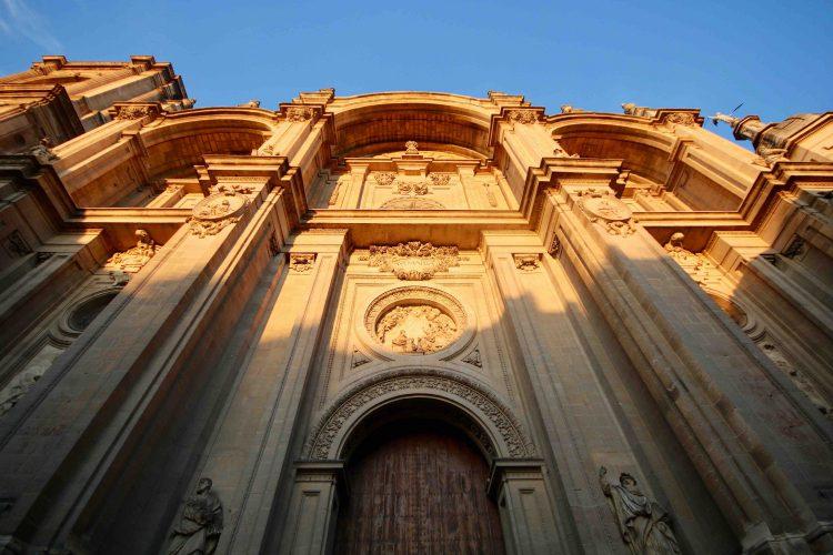 5 rutas para conocer una Granada diferente