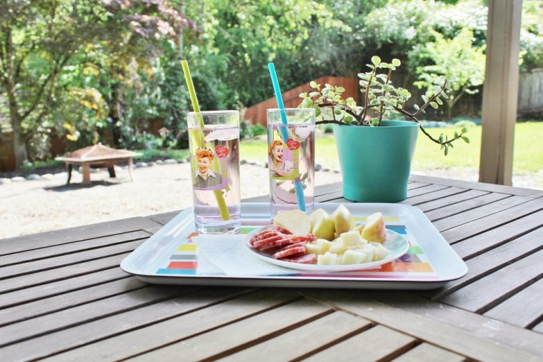 Retro tray and drinking glasses for feasting outdoors