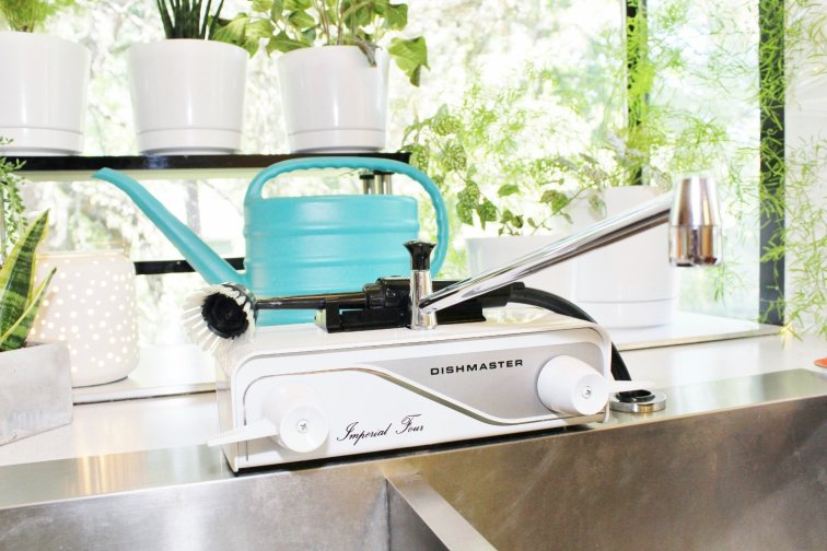 Dishmaster Imperial Four retro style kitchen faucet