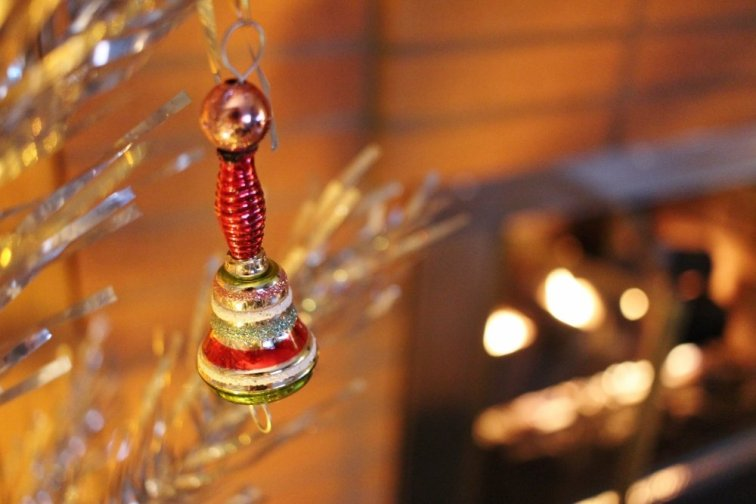 Shiny Brite icicle ornament from the Festive Fete collection