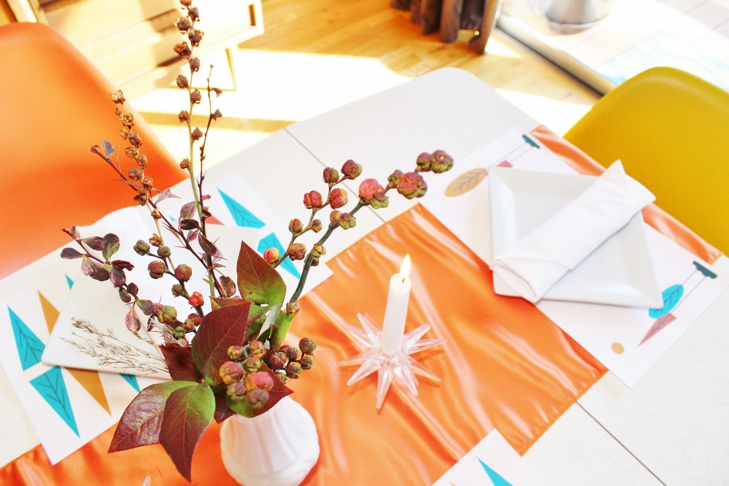Table decor for a mid-century modern Thanksgiving