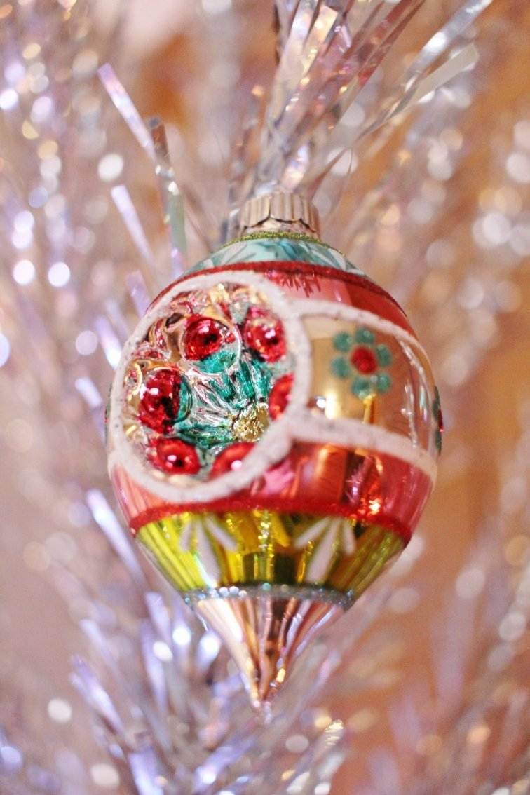 Shiny Brite Festive Fete reflector ornament