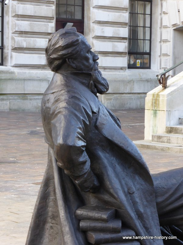 Charles Dickens Statue