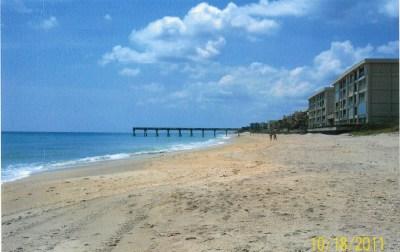 Beach 100 yrd from house